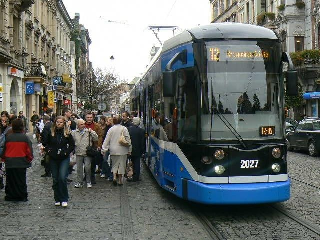 http://www.mpk.krakow.pl/Data/Thumbs/_public/mpk/aktualnosci/MTAyNHg3Njg,ngt6-3-seria-12.jpg